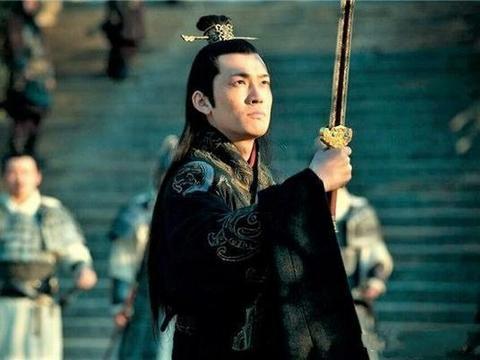曹丕220年称帝,刘备221年称帝,为什么孙权称帝要晚整整8年呢?