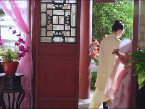 调皮王妃害怕和男闺蜜引起绯闻,当着男友的面说:他不是男的