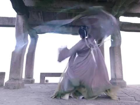 琉璃:昊辰和璇玑练剑术,一块去离泽宫对付司凤,璇玑你太狠心了