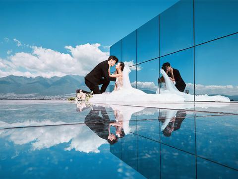 """一张""""迟到""""的婚纱照暖心十足,旅拍外景婚纱照应该注意哪些细节"""