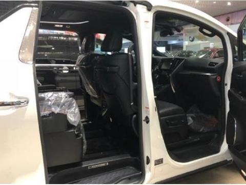 又一面包车被揭短,在国外卖40万,进入国内翻三倍