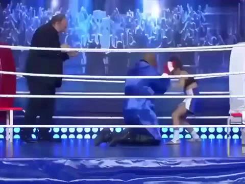 泰森的惊世一跪,赢得世人的尊重,诠释了伟大的拳王精神!