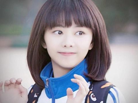 原以为谭松韵只能扮可爱,没想到她也能演熟女,新剧扮相很不一样