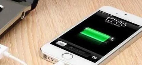 "Iphone12大时隙点来袭:电池仍然被挤压""牙膏"""