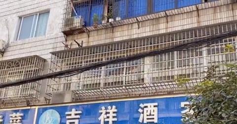 四川小县城的老酒家,传统水滑肉巴适得板,成都人开车3小时来吃