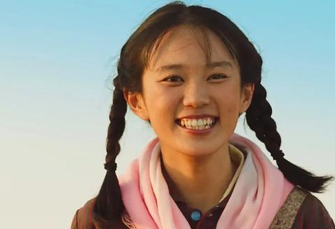 《山海情》中涌泉村姑娘麦苗,偷偷离家出走,想去外面打工挣钱