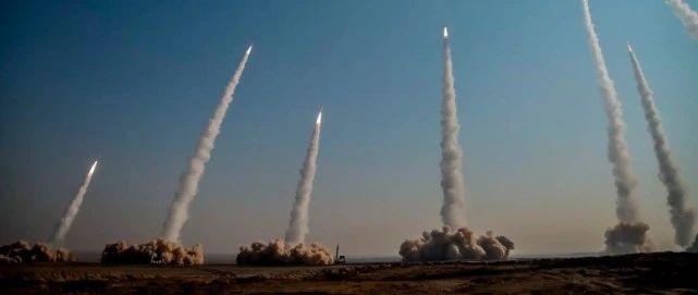 美媒:中国都还刚有反舰弹道导弹 伊朗不可能有