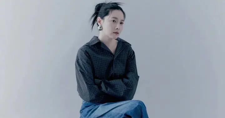 49岁李英爱个性太张扬,画报造型大胆又有型,状态不像中年妇女