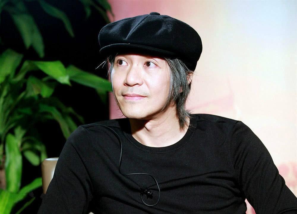 周星驰唯一承认的师父,喜剧界的鼻祖,62岁退出影坛