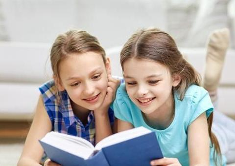 成绩优秀的孩子,父母在班里也会格外受人尊敬,你信不信?