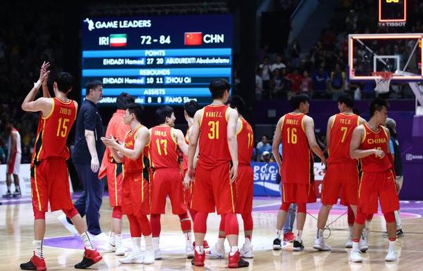 中国篮协遭重罚百万+扣分!FIBA业余操作,球迷嘲讽:缺钱了