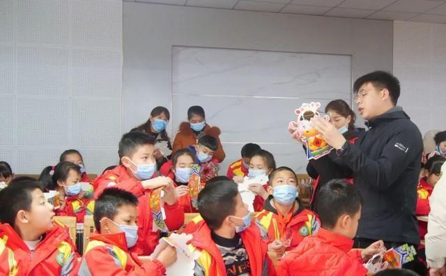 恭城:学习特色技艺 增长传统知识