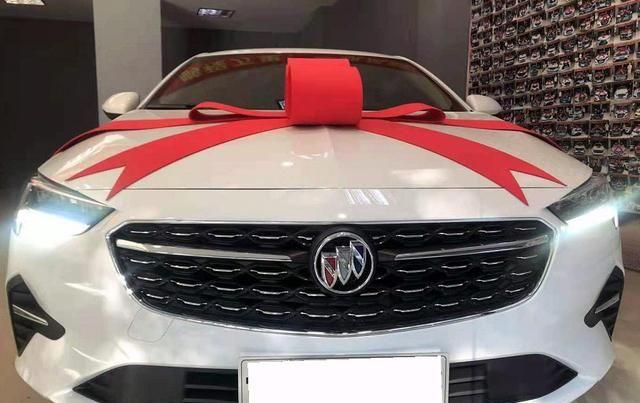 实拍君威:最便宜的别克中级车,1.5T动力,颜值内饰是惊喜