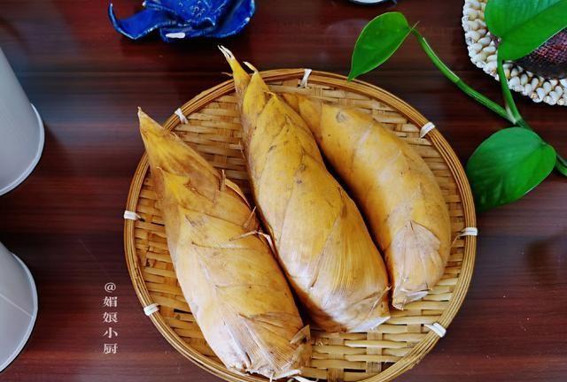 分享2个去除冬笋麻涩味的简单方法,做对了素炒荤食都鲜嫩脆爽