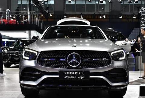 最新奔驰GLC轿跑上市,入门车型配置升级,售价46.08万起