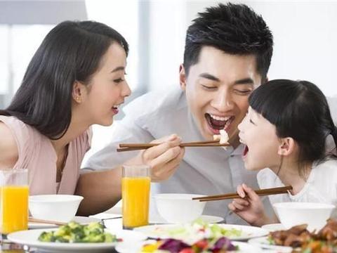 """有种""""大眼基因""""叫李佳航李晟,儿子遗传父母优点,长相帅气可爱"""