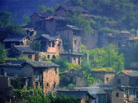 """山西深山里的一座千年古村落,被誉为太行山深处的""""布达拉宫"""""""