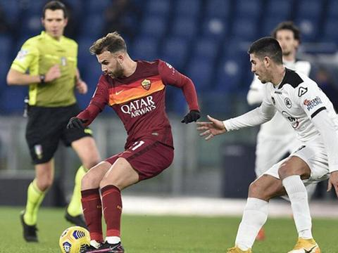罗马6次换人引争议:欧足联批准,意大利不同意