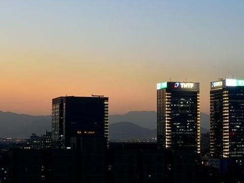 新城控股,跨足住宅和商业地产的综合性地产集团