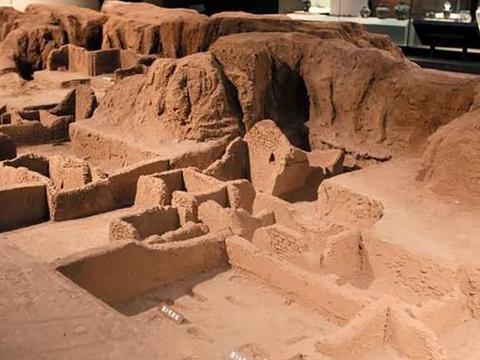 在石家庄藁城区台西村三个不起眼的土堆里,竟挖出了7个世界之最