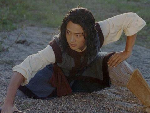 19年前大火的《侠客行》,如今男女主角无戏可拍,配角接戏不断
