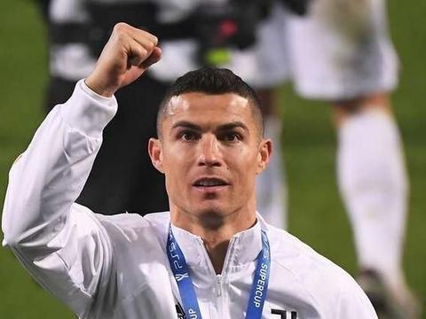 C罗、梅西和阿尔维斯:足球史上获得冠军最多的球员是谁?