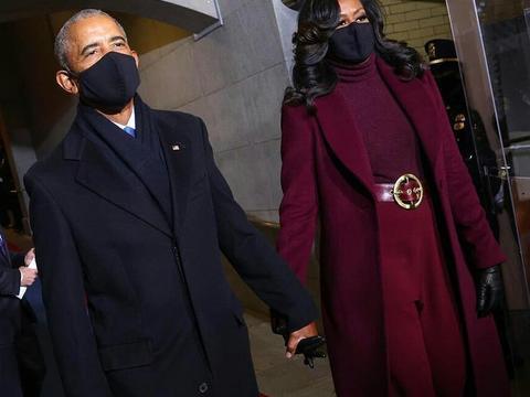 奥巴马夫妇高调露面,米歇尔一身红太霸气,新第一夫人被抢风头