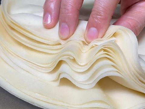做春饼,学会这两个小技巧,保证张张都能揭下来,筋道透亮不破皮