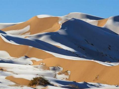 非洲撒哈拉沙漠下雪,本应该烈日炎炎,气温却降至零下2摄氏度!