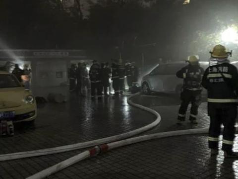 网传上海Model 3起火爆炸 特斯拉回应或因车底发生碰撞