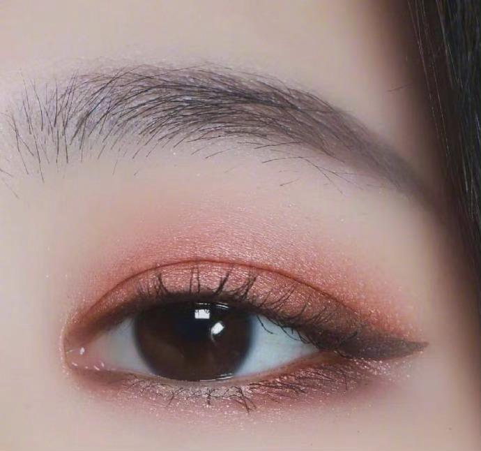 很适合冬季的眼妆参考合集,红棕色的眼妆真的永远不会过时啊!