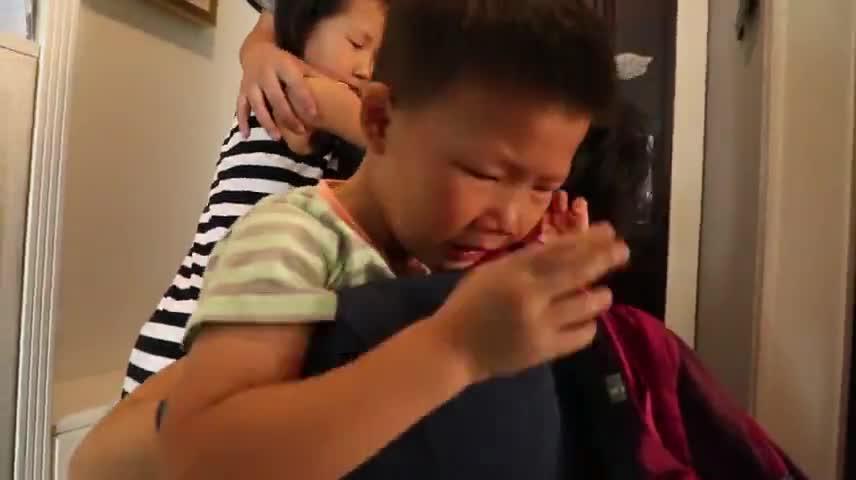 """四川资阳驻村第一书记""""夫妻档"""":一家人分居三地 带领村民产业脱贫"""