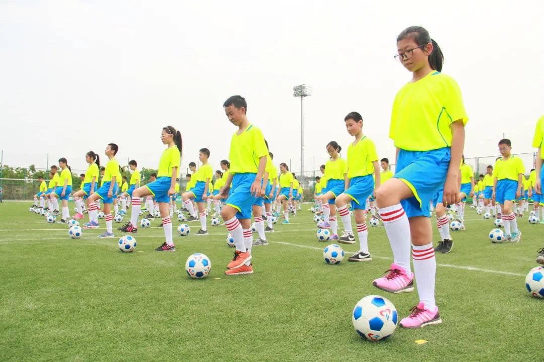 成都市锦江区、武侯区获评全国青少年校园足球试点区