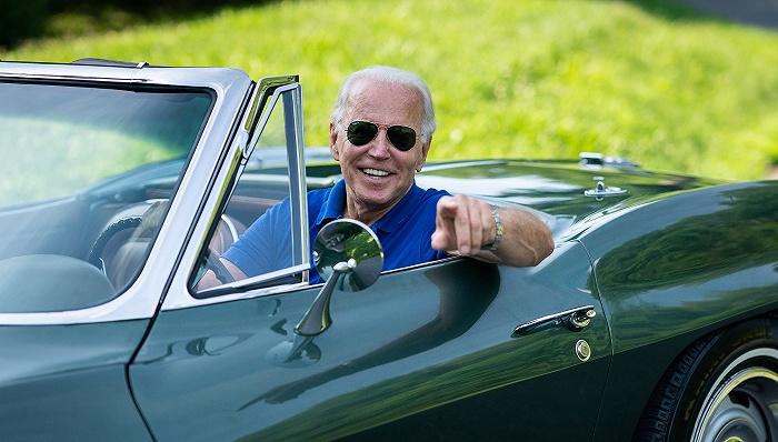拜登下令重新审查车辆燃油效率标准 美国电动汽车产业或将迎来重大利好