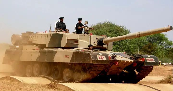 """除了阅兵,什么正事儿都干不了,印度为啥要研制""""阿琼""""坦克?"""
