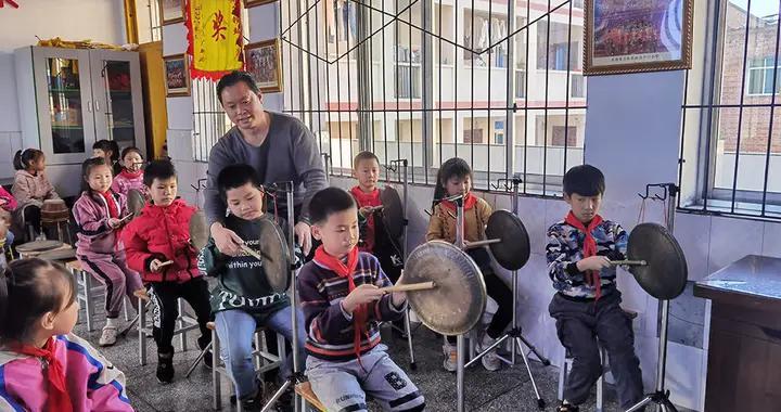 遗传承人贺志灿:铁杆志愿者、绝活传万家