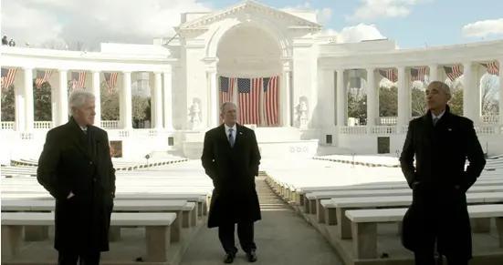 奥巴马、克林顿、小布什就职典礼上对拜登送祝福