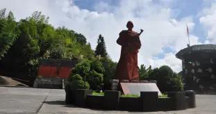 """老山作战""""一号代表"""",塑像立于主峰,烈士遗愿:回家翻修旧房"""