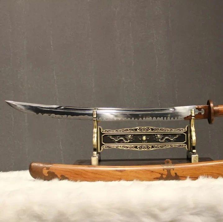 这些手工制作的短刀简直美呆了!