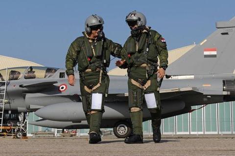 巴铁空军就看上中国重战机