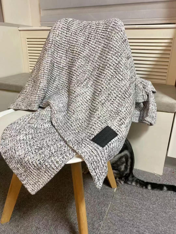 灰色北欧家居毛毯已开团 原价169 今日粉丝团购价125……