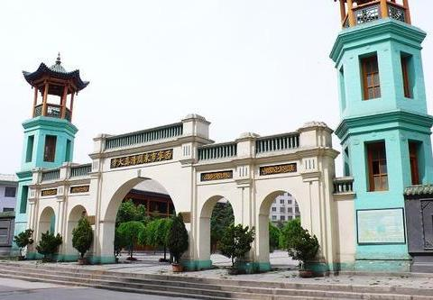 青海省内规模最大,历史最悠久,中国四大清真寺之一,东关清真寺