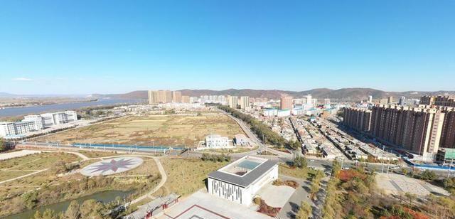 黑龙江省偏远的县,三面环水,是省级历史文化名城