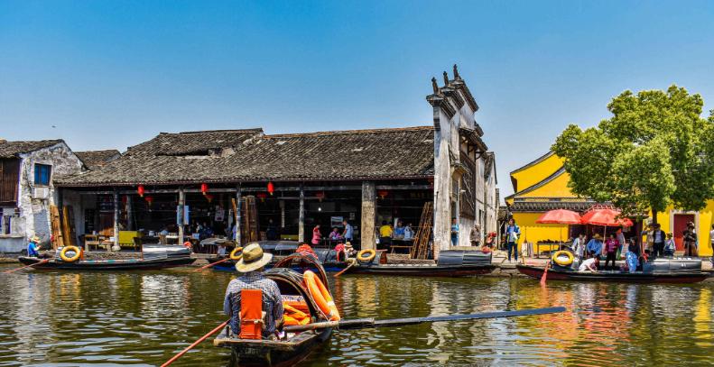 浙江原汁原味的水乡古镇,距绍兴北高铁站仅9.3公里,景色古朴