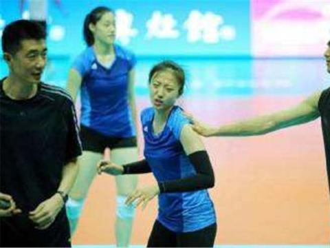 他是中国女排最帅男陪练,和很多队员曝出绯闻,连朱婷都未能幸免