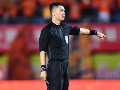 足协官宣2021年度国际级裁判名单,沈寅豪在列,论文事件烂尾了?