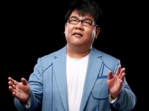 盲人歌手杨光,从春晚爆红到被批滚出娱乐圈 ,他到底得罪了谁?