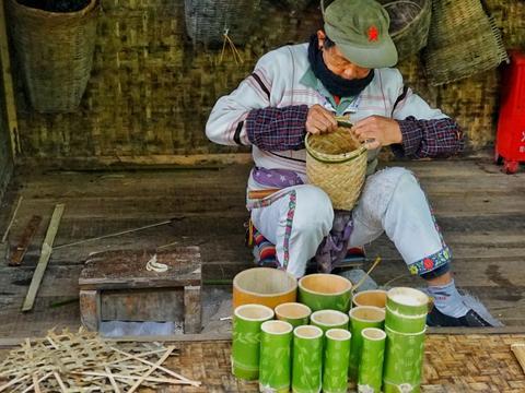 西双版纳门票最贵的村寨,是从大鼓里走出来的民族,进村需240元