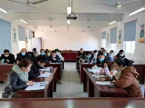 应城市城北中心小学举办语文集体备课展评活动