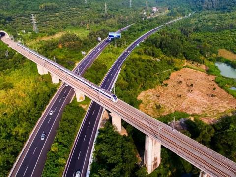 尤毅:探索绿色金融创新,推动海南自贸港高质量发展